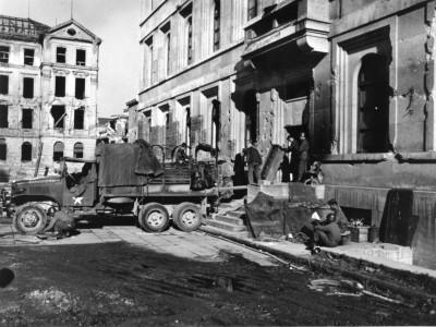 Das Erbe der NS-Zeit: In freundlicher Verbundenheit