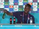 Wie Ronaldo: Pogba entfernt Flasche von Pressekonferenz (Vorschaubild)