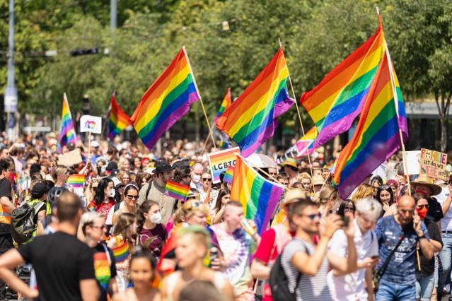 WIEN 19.06.2021, WIEN, AUT, 25. Regenbogenparade in Wien, die gegen die Diskriminierung von Schwulen, Lesben und Transge