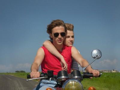 "Im Kino: ""Sommer 85"": Wahnhafte Sommerliebe"