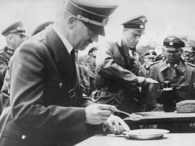 Vegetarier gegen Fleischesser: Hitlers Haferschleim