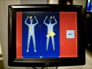 Flugsicherheit Flughafen Amsterdam Schiphol Körperscanner, dpa