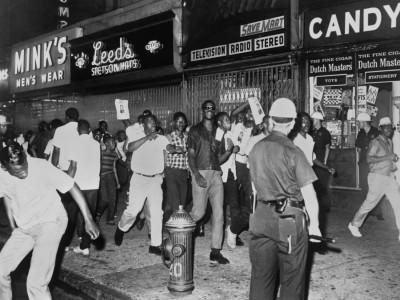 """Colson Whitehead: """"Harlem Shuffle"""": Herz der Stadt in Flammen"""
