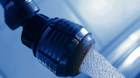 Alte Wasserleitungen und -anlagen