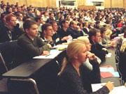 Von wegen Humboldt! Von unbeliebten Jammerprofessoren, Brotstudenten und philosophischen Köpfen: über das ewige Scheitern der Hochschulen.