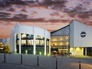 Uni Witten-Herdecke: Deutschlands älteste Privat-Uni bleibt selbstständig. Eine Beratungsgesellschaft investiert zwölf Millionen Euro.