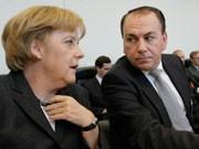 Bundeskanzlerin Angela Merkel (links) und Bundesbankpräsident Axel Weber, Foto: AP