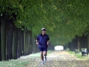 Wege aus dem Stress: Jogger im Park