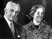 Herbert Quandt mit Frau Johanna 1978, dpa