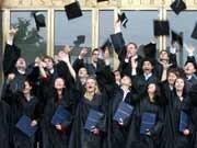 Europäischer MBA-Titel: Der Aufsteiger. Das Foto zeigt Absolventen der Mannheim Business School