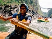 Rafting in Afrika: Höllenritt auf dem Sambesi, agentur laif