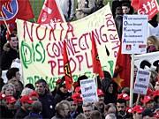 Mitarbeiter von Nokia demonstrieren; ddp