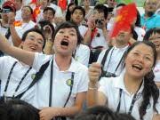 Jubelnde Chinesen dpa