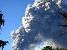 Vulkan spuckt Asche-Fontänen (Bild)