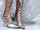 Lieber Schuhe als Entwicklungshilfe (Bild)