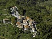 Hum in Istrien, die kleinste Stadt der Welt, dpa