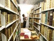 Bücherregal, sprache, dpa