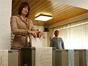 Gabriele Pauli bei der Stimmabgabe in Zirndorf; dpa