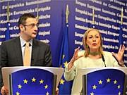 Benita Ferrero-Waldner und der georgische Premierminister Lado Gurgenidze; AFP