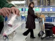 Airlines fordern Korrektur der Regelungen für Flüssigkeiten im Handgepäck, dpa