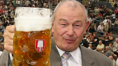 Bayern Nach zwei Maß Bier