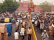 Straßenverkehr in Neu Delhi - Indiens Motorisierung soll bevorstehen