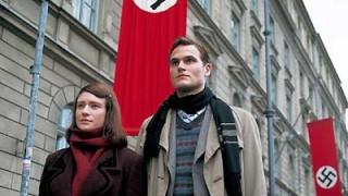 Fabian Hinrichs und Julia Jentsch als Hans und Sophie Scholl, AP