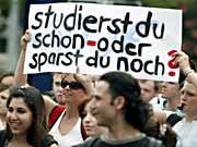 Protestierende Studenten in Wiesbaden, Archivbild, dpa