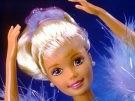 Menschen mit Barbie-Fingern (Bild)