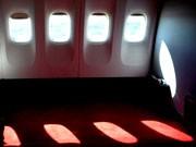 Passagier in Panik Randale im Flieger Flugzeug unvergessliche Flüge, dpa