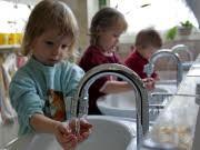 Kinderbetreuung Kita Eltern-Kind-Bindung Studien, ddp