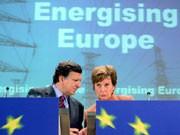EU-Kommissions-Präsident Jose Manuel Barroso und Wettbewerbskommissarin Neelie Kroes