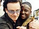 Bono mit einer HIV-Infizierten in Uganda, Reuters
