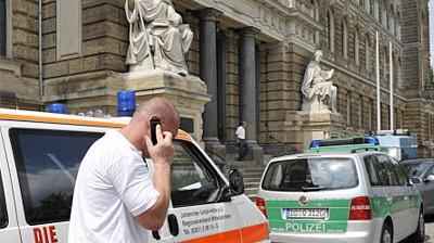 Dresden: Angeklagter ersticht Zeugin