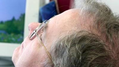 Büroschlaf Gesundheit Infarktrisiko Dösen Jürgen Zulley Entspannung Mittagsschlaf Ruhe