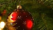 Kamera im Weihnachtsbaum; Foto: ddp