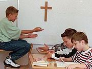 Kreuz Kruzifix Urteil Diskussion Debatte Kopftuch Schule Klassenzimmer Aygül Özkan, AP