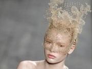 Schleier; Lagerfeld; Dior; Chanel; Givenchy; Lacroix; Haute Couture Paris, Dior, Galliano; Valentino; AP