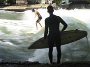 Eisbach Surfer München