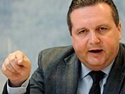 Stefan Mappus Ministerpräsident Baden-Württemberg CDU Atomstreit Restlaufzeiten Röttgen dpa