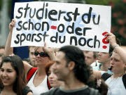 Studenten Proteste Demonstration Studiengebühren Bologna-Reform, dpa