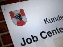 Arbeitsminister Scholz hofft auf Jobcenter-Lösung