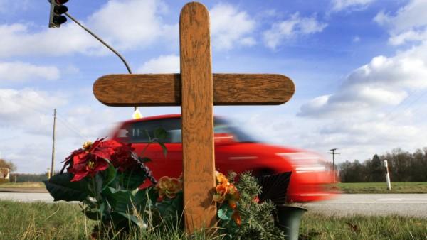 Zahl der Verkehrstoten sinkt auf niedrigstes Niveau