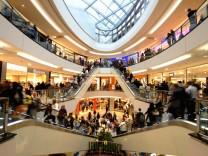 Sinkende Inflation stuetzt Kauflaune der Deutschen
