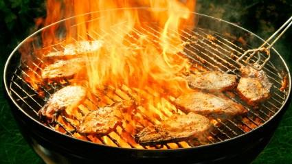 Rauchfreier Holzkohlegrill Reinigen : Wie sich ein verkrusteter grillrost einfach reinigen lässt stil