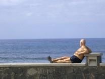 Rentner am Ufer