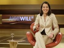 Anne Will im Studio ihrer neuen Sendung