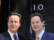 Briten bekommen Koalitionsregierung mit Cameron als Premier