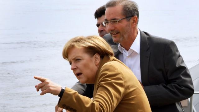 Oder-Hochwasser - Merkel Platzeck