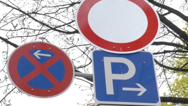 Prozess Um Verkehrsschild Beschädigte Vorfahrt München